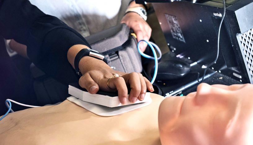 Defibrillator met naalden